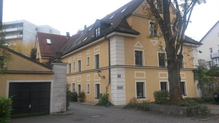 Westendstr. 11 in Regensburg (4 Wohnungen und 1 Gewebeeinheit)